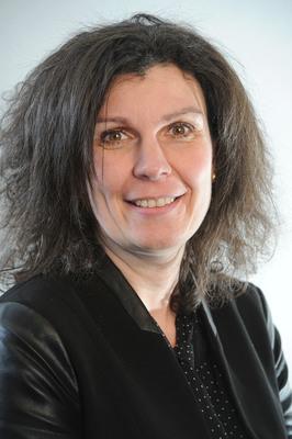 Mme Valérie Lengard