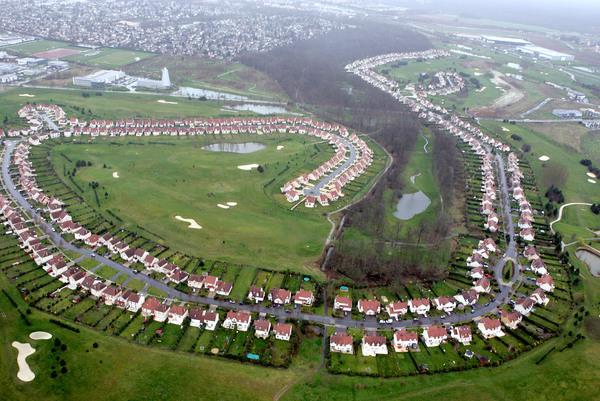 Golf greenparc for Piscine carre senart