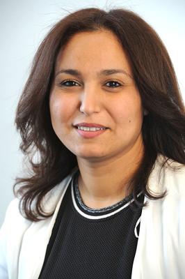 Mme Farida Amrani