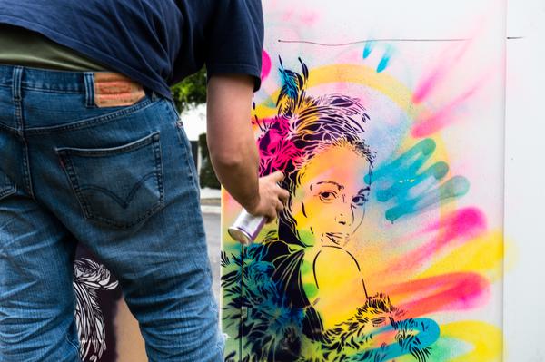 image de couverture de Street art : des armoires de fibre optique colorées à Evry
